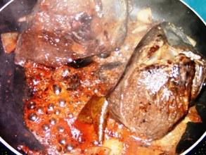 Angebrannte Kochbehältnisse leicht reinigen