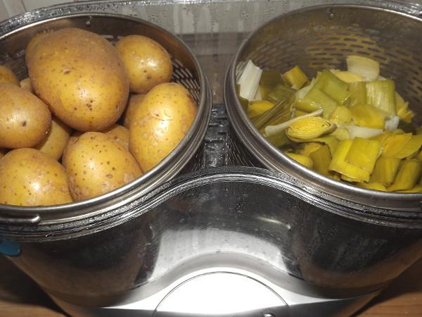 Dampfgaren von Gemüse und Kartoffeln