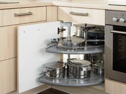 Mit Karussell auch die hintersten Ecken in der Küche ausnutzen