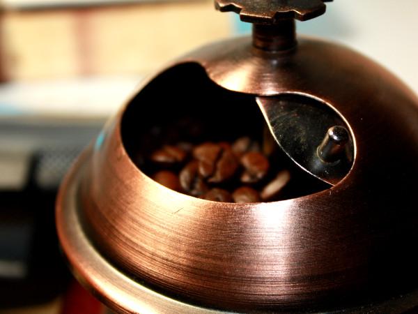 veganer Kaffee mit Milch-Alternative